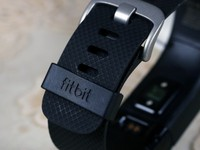 ��Ž����ܴ��� Fitbit Charge HR����