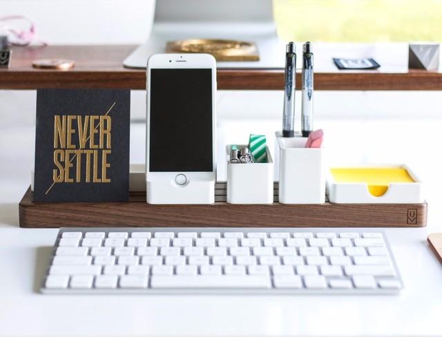 整洁有序的桌面摆放其实完全可以提升我们的工作效率,至少能给我们带来好的心情。