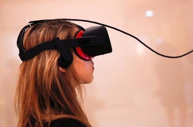 小巧而相对廉价,这看3D VR摄像机非常适合寻常百姓家。