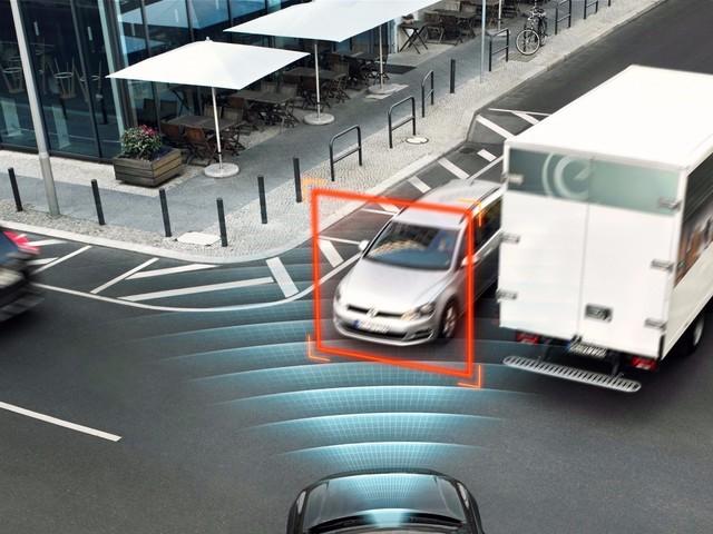 由此来看,自动驾驶还有很长的路要走。