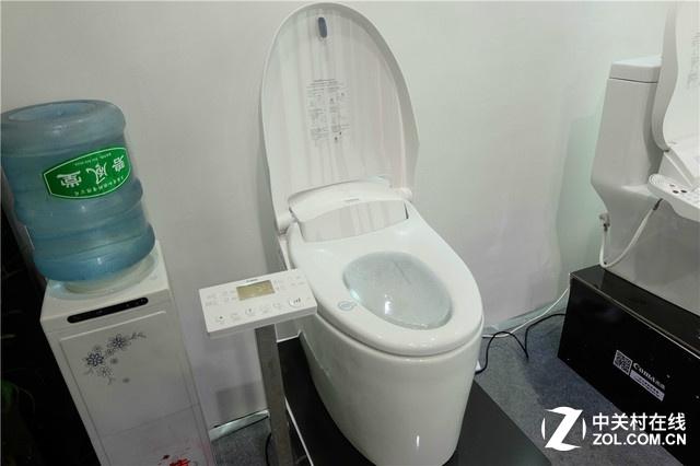 开启智能水洗时代 西马智能马桶盖亮相