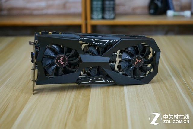 iGame GTX1070Ti JD JOY Edition装机图赏